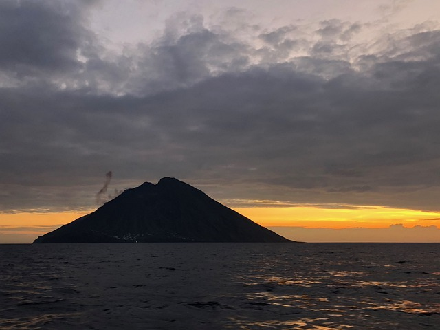 aeolian islands 4885733 640 - stromboli lipari