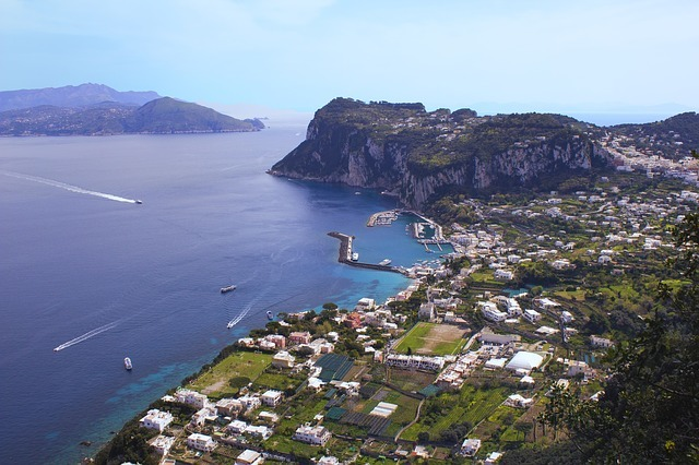 capri 2712463 640 - Pagina Itinerari Napoli Salerno