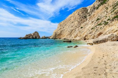 a vela in grecia beach
