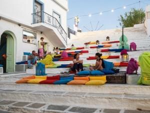 I tipici colori delle città greche sulla costa