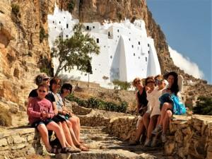 Monastero greco arroccato sul litorale