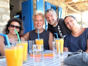 Foto di gruppo a Portokali, sulle coste della Grecia