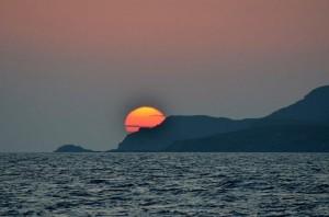 Tramonto sulle coste greche